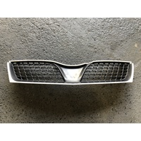 Grille to suit Mitsubishi Magna TJ VRX - Mawson White - Used