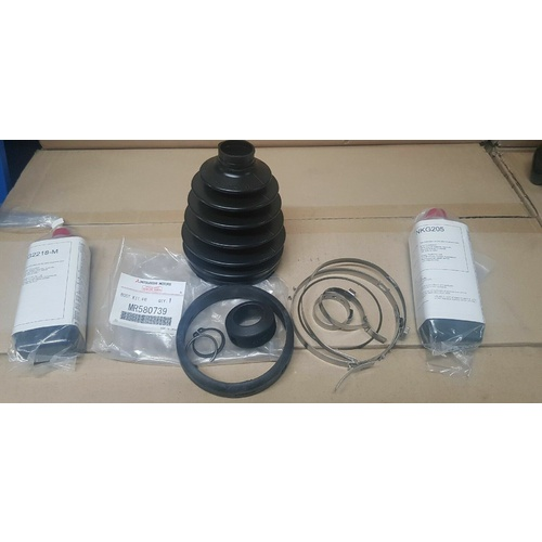 Drive Shaft Boot Kit suit Mitsubishi Pajero NM, NP, NS, NT, NW, NX Front GENUINE - MR580739